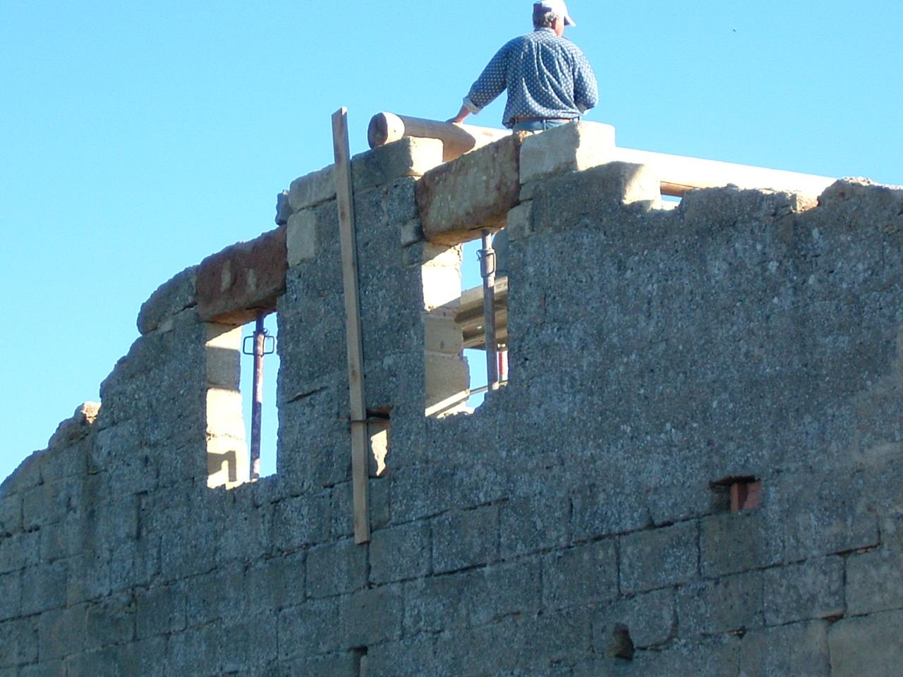 Maconnerie renovation uzes maison toiture gard 30 entreprise bouzigue dans le gard 30 for Construction maison uzes